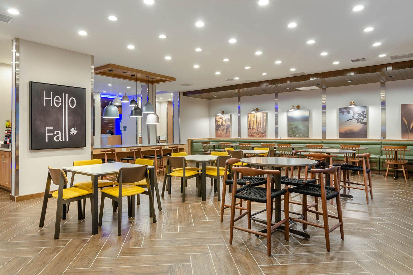 Breakfast Area at Fairfield Inn & Suites by Marriott Shawnee
