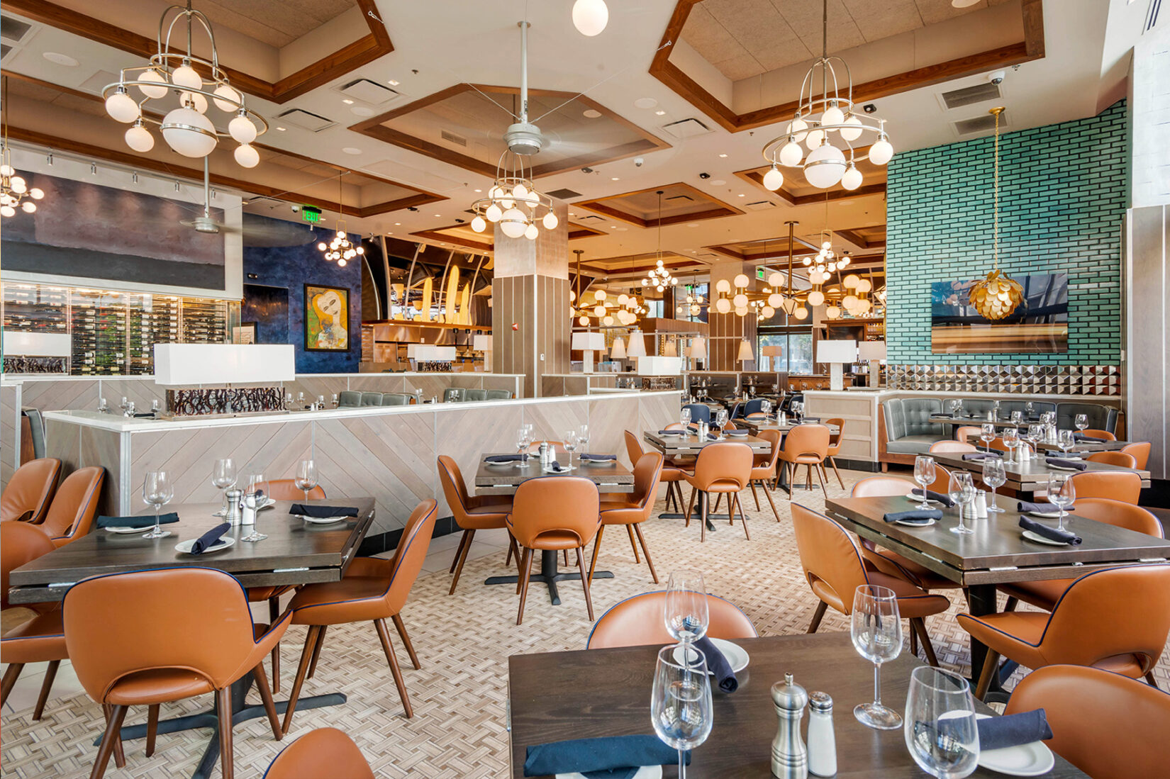 Upscale Restaurant - Aqua