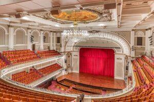 theatre red