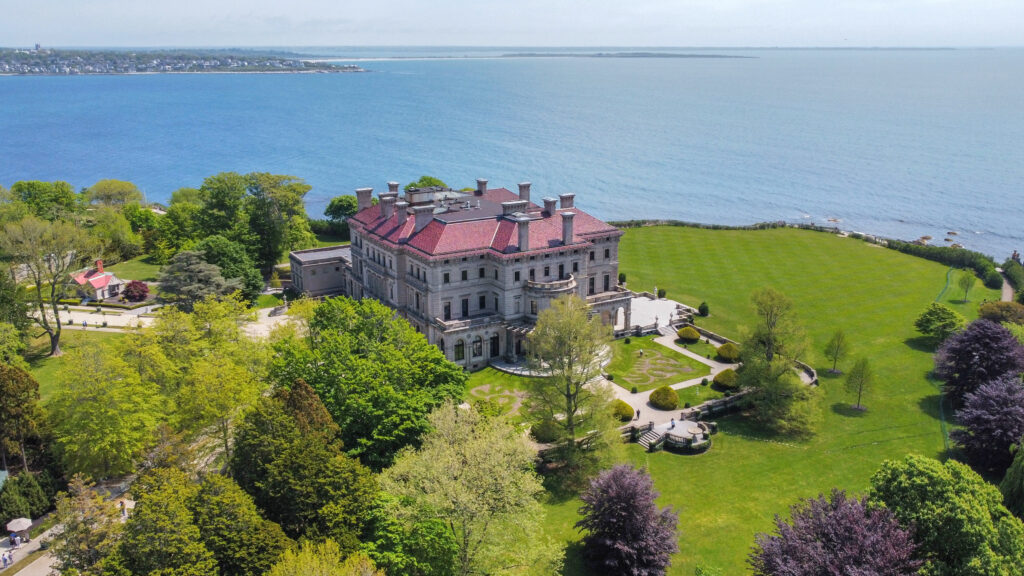 aerial photography services capturing a mansion