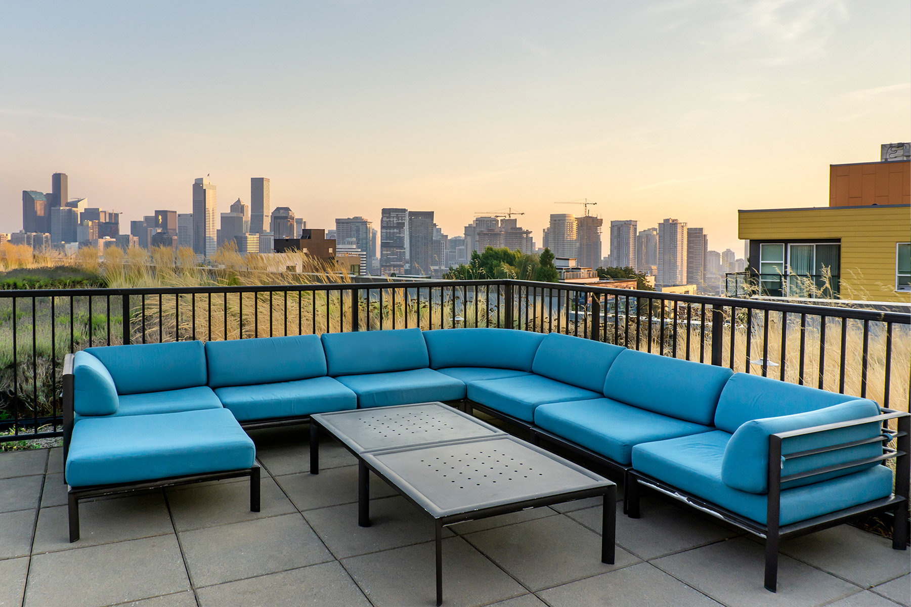 essex patent 523 couch sunset roof